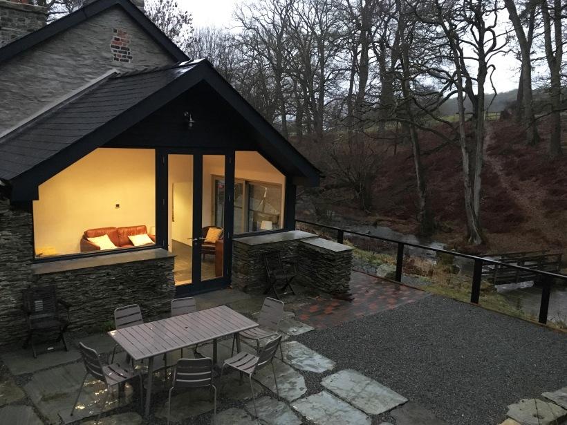 fron-cottage-rhayader-sun-room-winter.jpg
